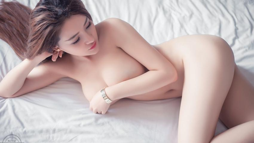 Sexy beauty bath vine tong bring tissue paper sheets fascinationme